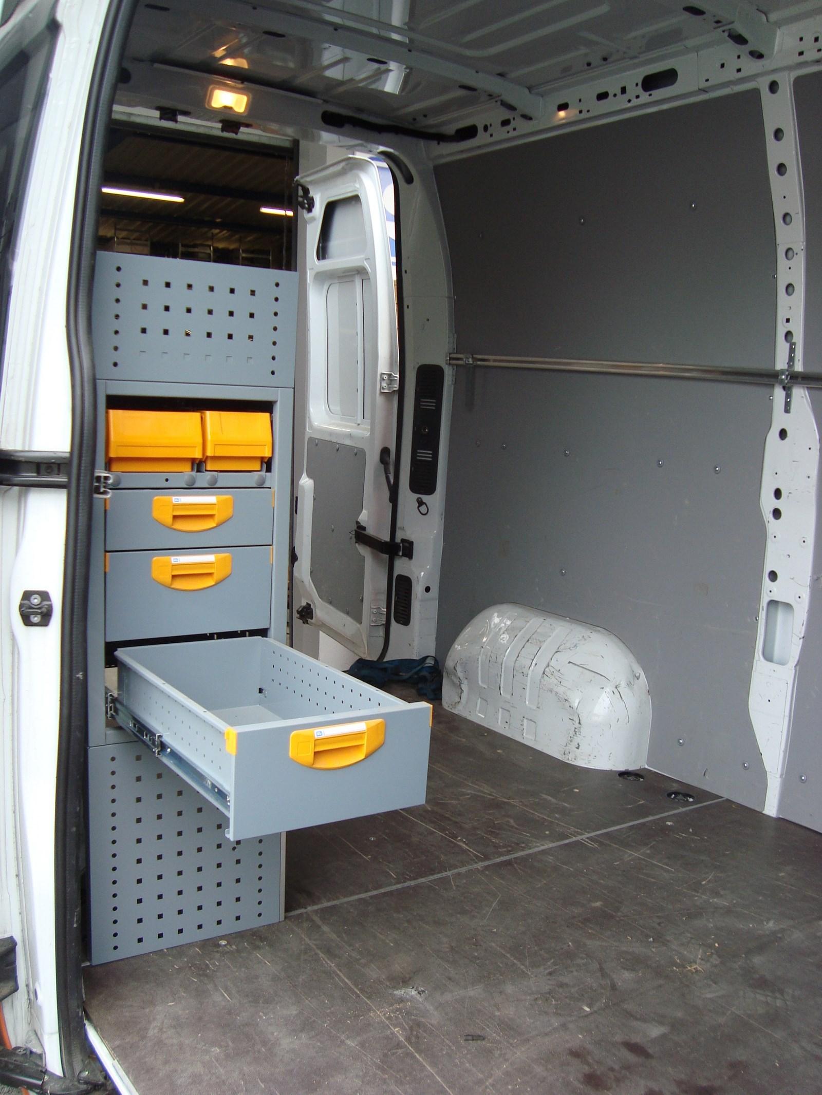 Aménagement utilitaire StoreVan côté droit ou cabine